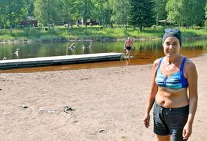 Anna Yngbäck berättade i juli 2018 att det var så lite vatten i dammen att den som ville doppa sig var tvungen att ligga ner.