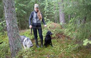 Hundintresset var det som fick Anna Gräll att ta jägarexamen.