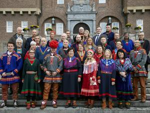 Gruppfoto på Sametinget. Pressbild från Sametingets hemsida. Foto: Marie Birkl