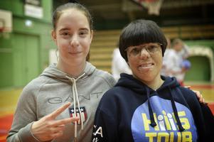 Mikaela Olsen hittade till basketen och Blue Heroes i och med projektet Loka Heroes High Five Tour. Ledaren och spelaren