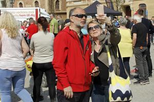 Ronnie och Helena Alsén från Uppsala, där Ronnie är med och arrangerar Brainwalk, passade på att ta en selfie innan starten.