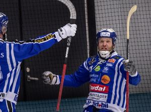 Känslan när man tagit sitt lag till SM-final efter ett drömmål i näst sista minuten av förlängningen. Bild: Björn Larsson Rosvall / TT