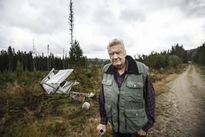 Stig Almström var arg över att någon eller några vandaliserat passet där han planerat att jaga älg vid.