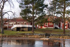 För andra året i rad blev försäljningen av Strandvägen 6, i Järvsö, dyraste bostadsaffären i Ljusdals kommun. Att fastigheten sålts två gånger på kort tid beror på att ägaren sålt den till ett av sina företag, eftersom bostadshusen på tomten hyrs ut till tredje part.