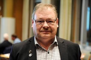 Peter Pettersson avsäger sig sin kandidatur för Sjukvårdspartiet inför kommande val.