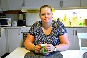 Elin Lindgren från Domsjö är besviken över beslutet i Hälso- och sjukvårdsnämnden på onsdagen där man beslutade att inte skapa ett vårdprogram för sjukdomen lipödem i Region Västernorrland.