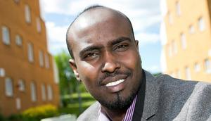 Ahmed Bari (S) slår larm om den galopperande individualismen i Borlänge.