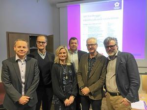 Bildtext: Jonas Stier, Tomas Axelsson, Sara Irisdotter Aldenmyr (alla Högskolan Dalarna), Magnus Ström (ABB), Einar Botten (Spendrups) och Christer Mattson (Segerstedtinstitutet).