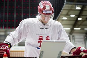 David Printz är sjuk och missar matchen mot Växjö, men med Alexander Falk tillbaka så har Timrå ändå åtta tillgängliga backar.