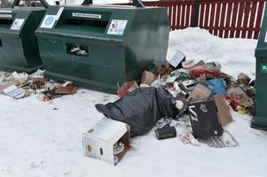 Sopor på backen vid Återvinningsstationen i Idre.