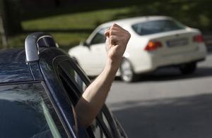 Det här är en gest du inte kommer att få se i trafiken. Inte från kåsören Stigbjörn i alla fall. Arkivfoto: TT