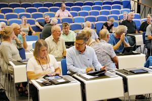 Det blir inget kommunfullmäktige i Celsiusskolans aula i Edsbyn på måndag den 17:e september. Ärendebrist är anledningen.