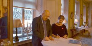 Även regionråd Ulf Berg (M) och landshövding Ylva Thörn står också bakom skrivelsen till ÖB och försvarsministern.