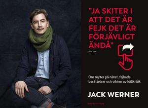 Jack Werner och hans bok om källkritik och fejkade nyheter. Foto: Gabriel Liljevall