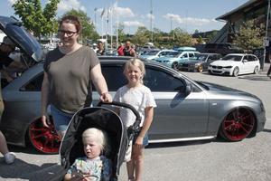 Liza Casparsson var på plats tillsammans med sina barn Walter och Lilly.