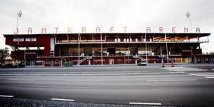 Östersund har blivit en skamfläck i resten av Fotbollssverige, anser insändarskribenten. Jämtkraft Arena är ÖFK:s hemmaarena.