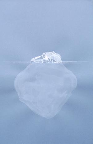 Pressbild: Lake Vostok isberg av Ida Pettersson gouache på färgat papper.