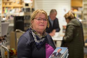Ingrid Harding hade med sig fyra böcker för signering.
