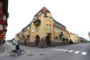 Gamla bankhuset på Sundsbrogatan-Lilla Bergsgatan har även 8 lägenheter ovanpå Valvet.