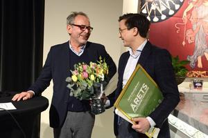 Alf Fornell, Fastighetsägarna, var glad över att ett Sundsvallsföretag fått priset. Andreas Nelvig på NP3  ser också nöjd ut.