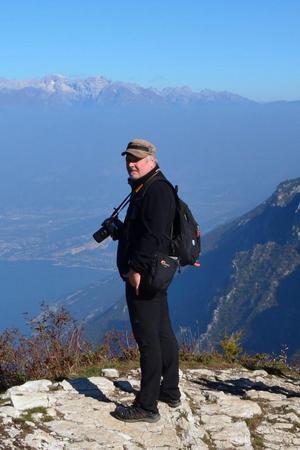 Hasse Myrberg med kameran i högsta hugg. Bild: Privat