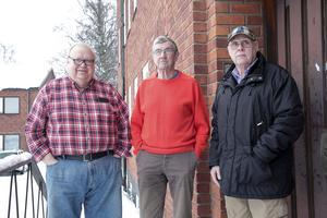 Anders Hjalmar, KG Alkvist och Björn Carlberg konstaterar med tillfredsställelse att samlingslokalen blir kvar även efter ombyggnaden.
