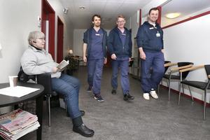 Arkivbild på Rimbo Hälsocentrals grundare; Nils Gutberg, Johan Larsson och Gustav Soler (v. t. h.) från 2016 när hälsocentralen var nyöppnad.