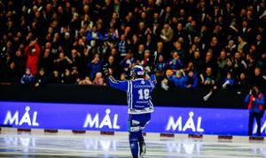Joakim Andersson gjorde fyra mål när Villa körde över VSK med 7–0.
