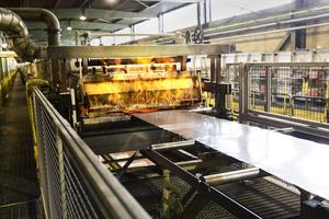 På Surahammars bruk tillverkas elektroplåtar som utgör 70 procent av elbilarnas motorer.