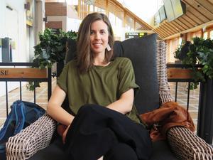Maria Lingfors träffade tidningen på stationen i samband med ett besök hos vänner och familj i Jönköping.