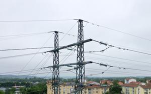 Det är viktigt att skilja på total elproduktion över tid och effekt, vilket är den produktion som gäller i ett visst ögonblick, skriver Björn Holmström. Foto: Fredrik Sandberg, TT.