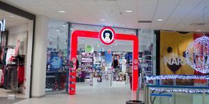 BR hade på fredagen fortfarande sin butik öppen i Falun och den kommer att vara öppen under julhandeln.
