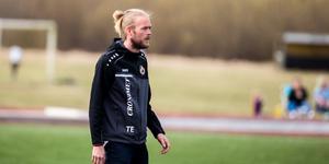 Tobias Eriksson var frustrerad på sidlinjen – precis som hans lag var på planen.