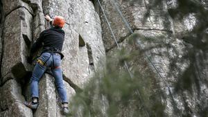 Prova på klättring utmed Billingens rasbrant
