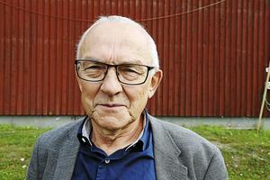 Staffan Östman konstaterar att den som köper Björknäs sjukhem för att riva lär få satsa flera miljoner kronor på rivningen. Att byggnaden i sig har