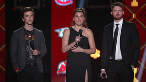Jesserae Robitaille, Alexa Lemieux och Trevor Gretzky medverkar alla i filmen.  Bilden visar NHL Awards där de delade ut pris till Årets Rookie, Elias Pettersson.