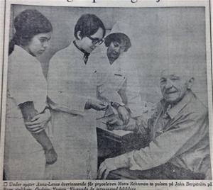 Pryo-eleverna Gudrun Nyman, Njurunda, Matts Rehnman, syster Anna-Lena och John Bergström på Haga sjukhem.                                      ST 1 december 1968.