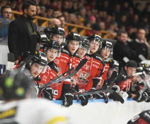 Assisterande tränaren Magnus Nilsson och hela båset i HHC väntar ivrigt på sin nye head coach.