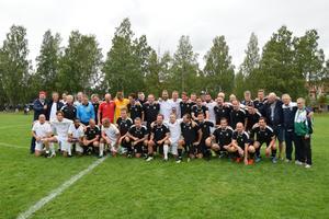 Alla veteraner, tränare och kommentatorer som deltog i matchen.