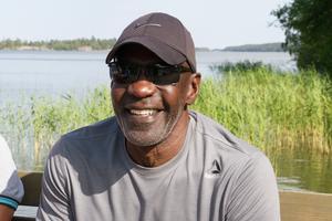 Bob Osberry har hunnit bli 68 år gammal. Men han jobbar fortfarande som sjukgymnast hemma i Alabama, USA.