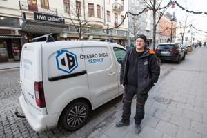 Det funkar väl inget vidare. Folk parkerar lite hur de vill, säger Jonny Riberg om trafiken på Storgatan.