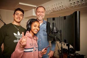 Juan Pablo Schröder och Yosra Hassan är två stortalanger som lär sig av Anders