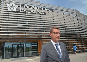 På fredagseftermiddagen är det dags för Högskolan Dalarnas avslutningsceremoni. Under ceremonin blir det bland annat tal av nyblivne rektorn Martin Norsell.