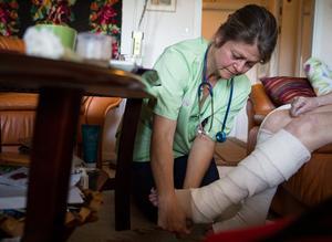Ulrika Knies är sjuksköterska på hemsjukvården och van vid att vårda människor i hemmen.