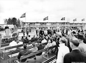 2d25aa748fe BILDSPECIAL: Vivalla 50 år – se bilderna från förr. Invigning av Vivalla  centrum 1968. Foto: Örebro stadsarkiv