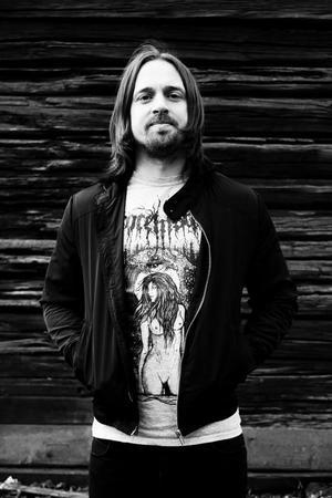 Alexander Högbom, arrangör för Gamrocken, och även sångare i banden Centinex, October Tide och Demonical.FOTO: LENA GORSETH