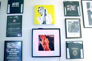 Fille-tavlan inspirerad av Iggy Pop är en present.