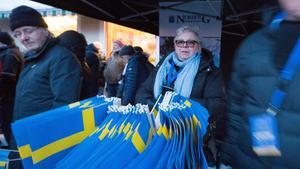 Självklart ska det vara svenska flaggor när man firar ett svenskt OS-guld.
