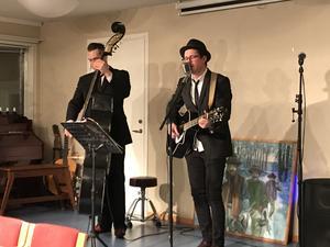Carl Jönsson och Gustav Håmås underhöll under middagen.