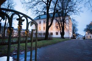 Det sägs att två spöken hemsöker Gävle slott. Men det är inget som familjen Bill har märkt av.